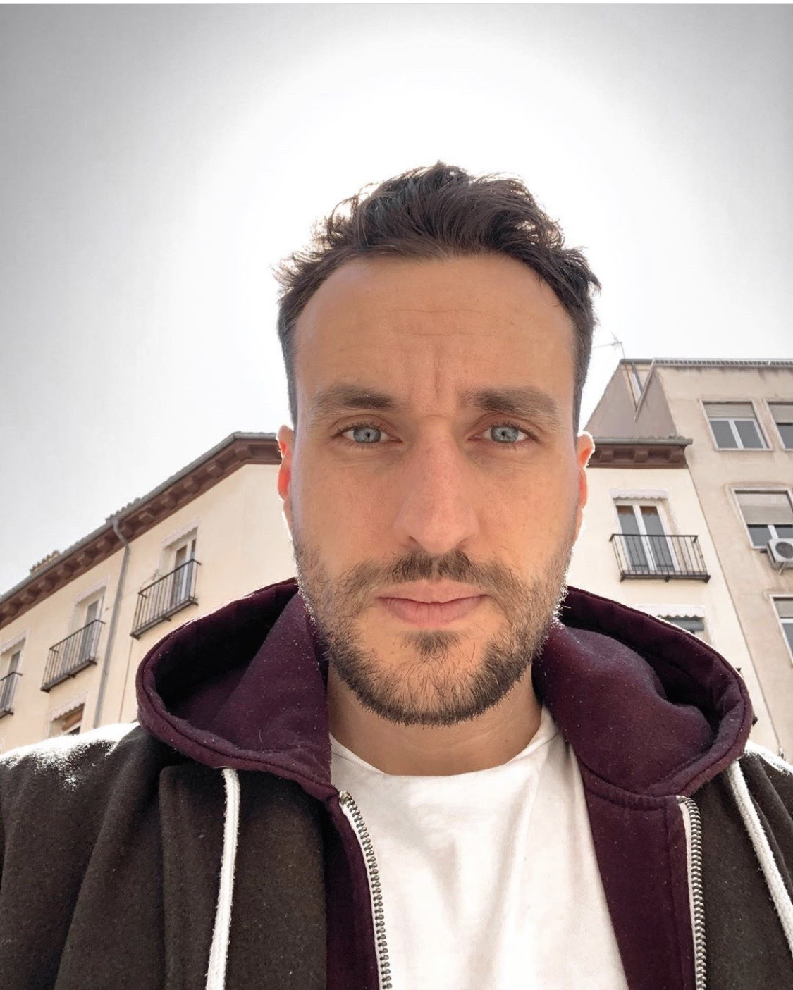 Davit Gibson - hire at Ithire