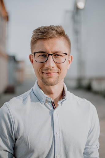 Lukas Dandz - hire at Ithire