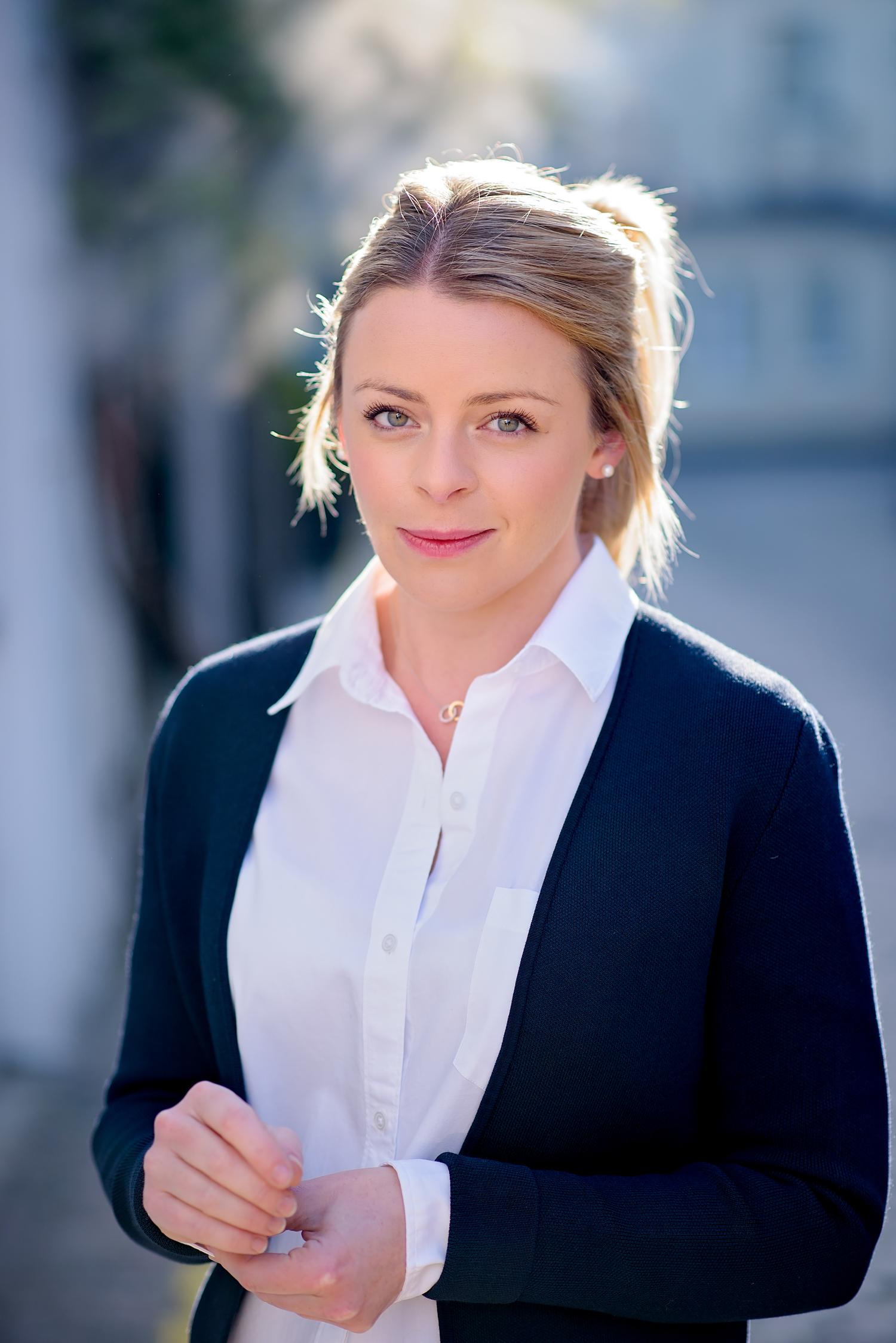 Nastya Malikova - hire at Ithire