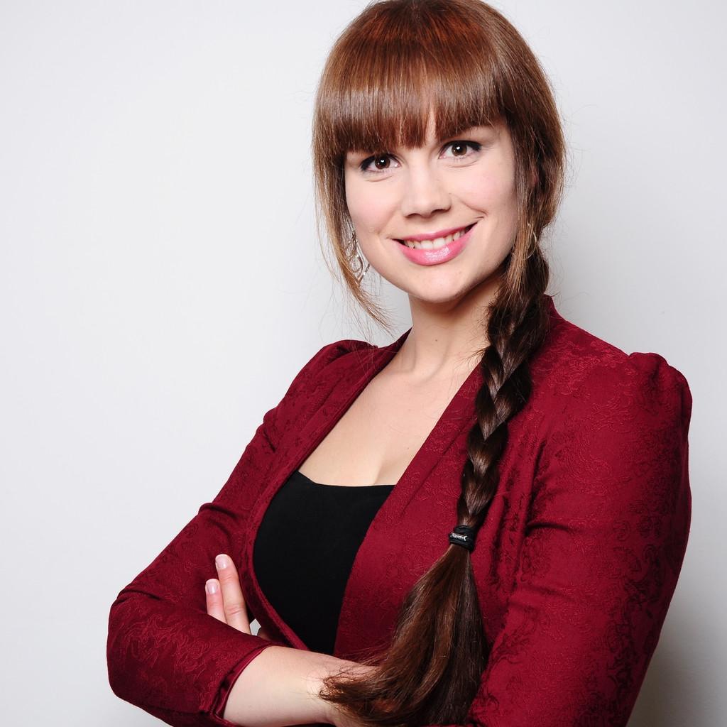 Ameli Richardson - hire at Ithire