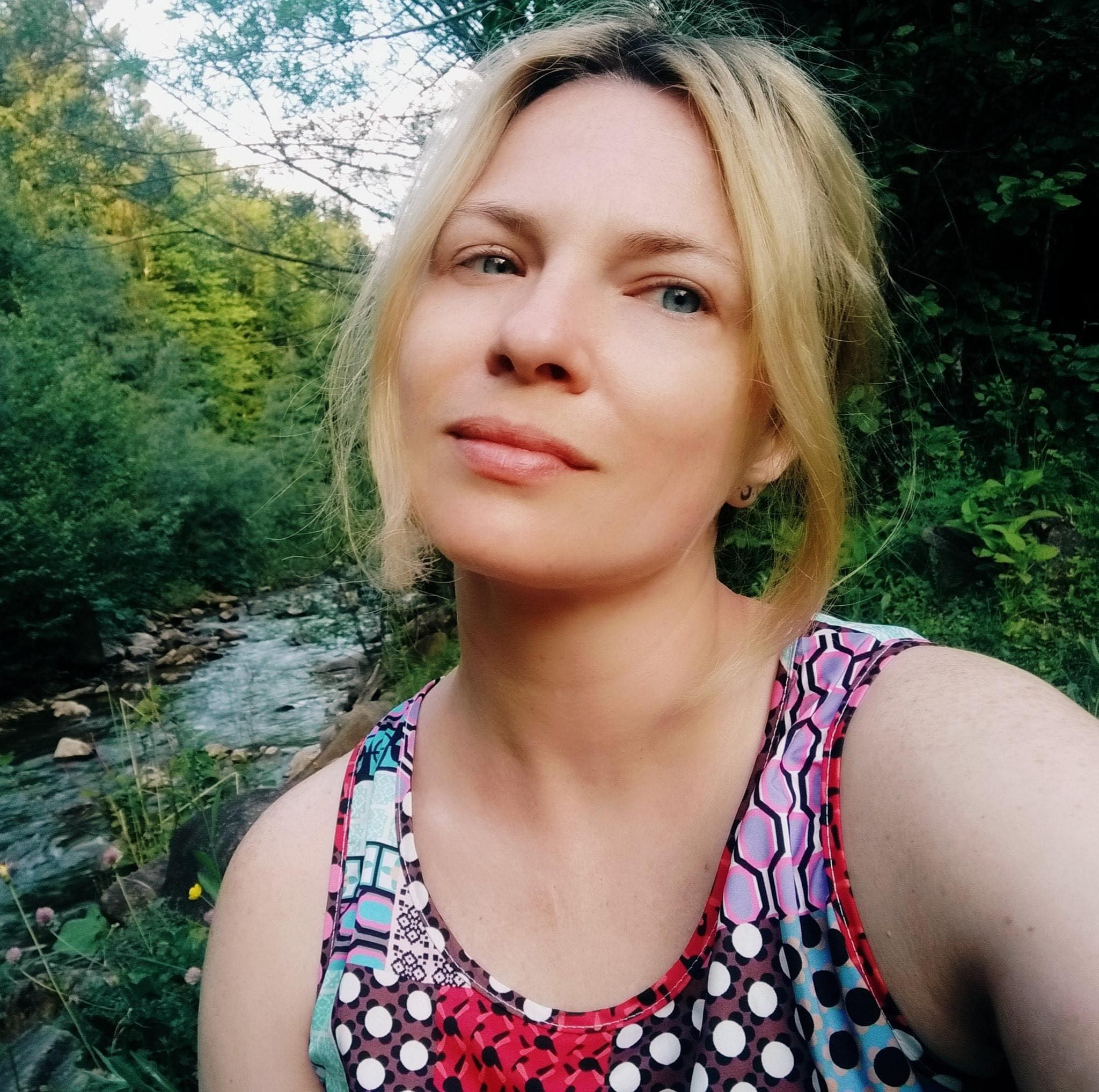 Anya Petrov - Hire at Ithire